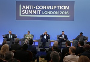 President Muhammadu Buhari (right) listens to the president of the World Bank, Jim Yong Kim, during an Anti-Corruption Summit in London in May 2016. Photo: AFP/Frank Augstein
