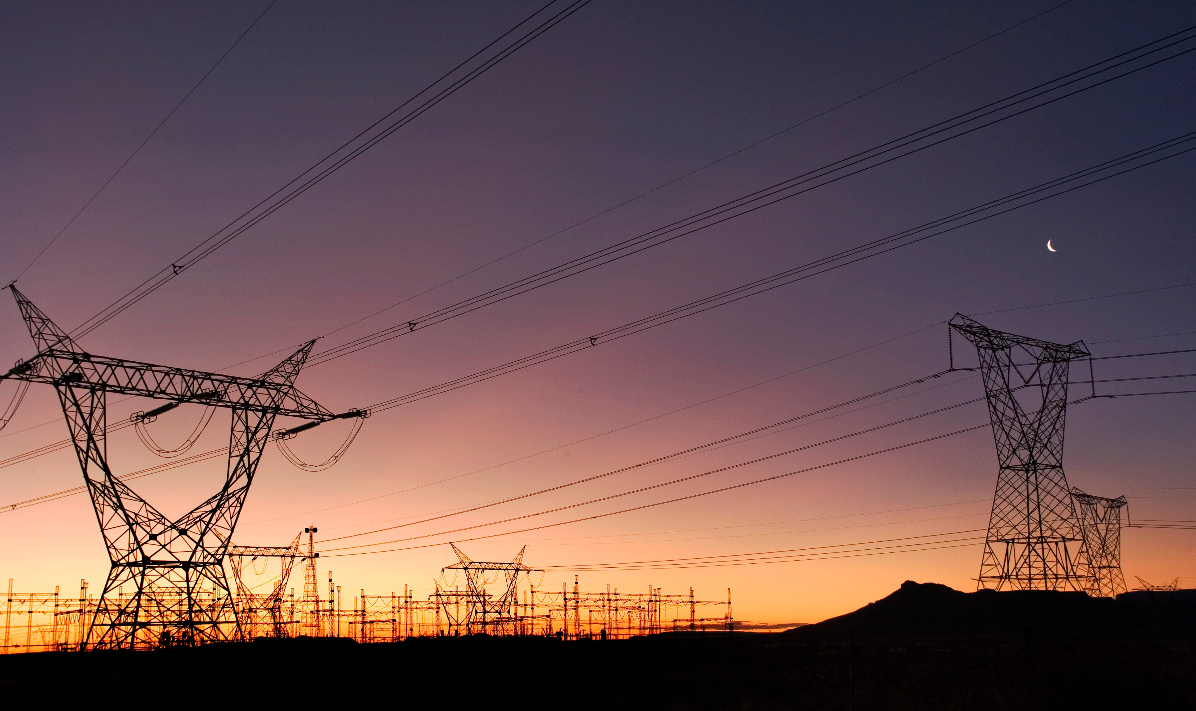 Electricity pylons outside the town of Beaufort West in April 2008. Photo: Chris Kirchhoff/MediaClubSouthAfrica.com