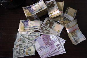 Le NigEria a levé 3 milliards de dollars dans le cadre d'une vente d'obligations internationales. Photo APF.